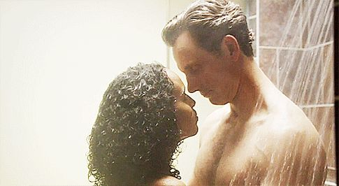 olivia-and-fitz-in-the-shower